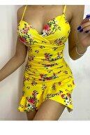 lovebox Ince Askılı Kruvaze Yaka Çiçek Desenli Esnek Kumaş Sarı Kısa Abiye Elbise Ang-001