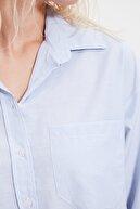 TRENDYOLMİLLA Açık Mavi Çizgili Boyfriend Gömlek TWOAW20GO0115