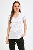 Fullamoda Kadın Beyaz Yaprak Baskılı Tshirt