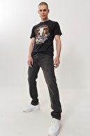 Wrangler Texas Tapered Erkek Antrasit Regular Düşük Bel Düz Paça Esnek Jean Pantolon