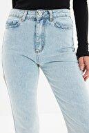 TRENDYOLMİLLA Mavi Yırtmaçlı Yüksek Bel Slim Flare Jeans TWOAW22JE0382
