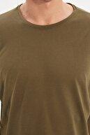 TRENDYOL MAN Haki Basic Erkek Bisiklet Yaka Oversize Kısa Kollu T-Shirt TMNSS21TS0811