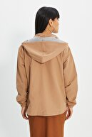 TRENDYOLMİLLA Camel Oversize Kapüşonlu Fermuar Kapamalı  Mont TWOSS20MO0027