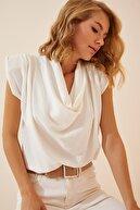 Happiness İst. Kadın Beyaz Vatkalı Degaje Yaka Ayrobin Bluz YJ00012