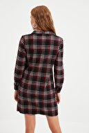 TRENDYOLMİLLA Lacivert Ekoseli Cep Detaylı Elbise TWOAW21EL0917