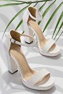 Bambi Beyaz Rugan Kadın Abiye Ayakkabı K01674001698