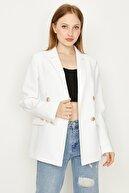 Select Moda Kadın Beyaz Düğmeli Blazer Ceket