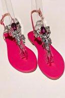 MaiaMarca Kadın Fuşya Taşlı Parmak Arası Sandalet