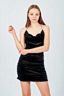 Banabu Kadın Siyah Ip Askılı Sırt Dekolteli Kadife Elbis