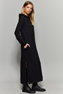 Cool & Sexy Kadın Siyah Yırtmaçlı Kapüşonlu Maxi Elbise EY1111