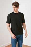 TRENDYOL MAN Siyah Erkek T-Shirt TMNSS21TS2003