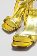 Limoya KadınYeşil Şeffaf Detaylı Alçak Topuklu Sandalet