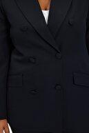 TRENDYOLMİLLA Siyah Düğme Detaylı Ceket TWOSS21CE0137