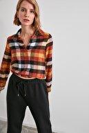 TRENDYOLMİLLA Çok Renkli Ekoseli Bluz TWOAW21BZ0660