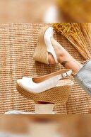 Limoya Kadın Beyaz Kroko Dolgu Topuklu Sandalet