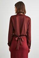 TRENDYOLMİLLA Kahverengi Kuşaklı Bluz TWOAW21BZ1138