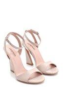 Derimod Kadın Deri Topuk Detaylı Sandalet