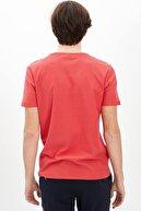 Defacto Erkek Kırmızı Bisiklet Yaka Slim Fit Basic Pamuklu Tişört M7122AZ20SM