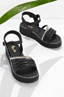 Bambi Siyah Kadın Sandalet K05823042187