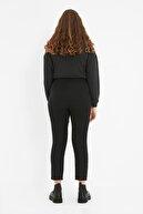 TRENDYOLMİLLA Siyah Beli Çıtçıtlı Pileli Havuç Pantolon TWOSS20PL0131