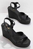 Bambi Siyah Kadın Sandalet K05671304009