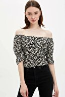 Defacto Kadın Siyah Düğme Detaylı Regular Fit Bluz R0675AZ.20SP.BK27