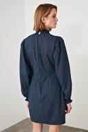 TRENDYOLMİLLA Lacivert Balon Kollu Gipe Detaylı Elbise TWOAW21EL1861
