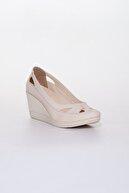 Dilimler Ayakkabı Kadın Bej Kafes Dolgu Topuk Ayakkabı