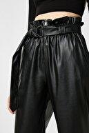 Koton Kadın Siyah Deri Görünümlü Yüksek Bel Kemerli Pantolon 1KAL48060IW