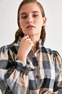 TRENDYOLMİLLA Çok Renkli Kareli Bluz TWOAW21BZ1176