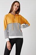 Lela Kadın Sarı Çizgili Fermuarlı Kapüşon Yaka Uzun Kollu Örme Sweatshirt