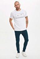 Defacto Erkek Beyaz Güvende Kal Baskılı Bisiklet Yaka Slim Fit T-shirt S0696AZ.20HS.WT34