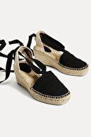 Oysho Kadın Siyah Hasır Dolgu Topuk Sandalet