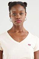 Levi's Perfect V-neck Scallop Shell Kadın Kırmızı Tişört