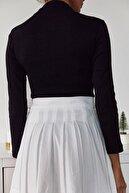 Xena Kadın Siyah Yakası Fermuar Detaylı Bluz 1KZK3-11047-02