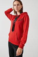 Lela Kadın Kırmızı Baskılı Kapüşonlu Kanguru Cepli Örme Sweat  5413002