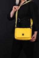 SheBella Bags & Shoes Kadın Sarı Şişme Kapaklı Çapraz Kol Omuz Çantası
