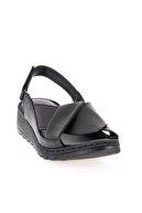 Bambi Hakiki Deri Siyah Kadın Sandalet L0529001803