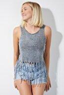 4Sisters Fashion Zımbalı Püsküllü Kolsuz Gri Tshirt