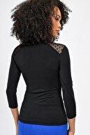 Jument Mary Sıfır Yaka Omuzları Puantiyeli Tül Garnili Bluz -siyah