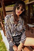 Lafaba Kadın Siyah Kruvaze Zincir Desenli Bluz