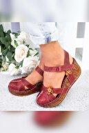 Limoya Kadın Bordo Çiçek Detaylı Burnu Kapalı Dolgu Topuklu Ayakkabı