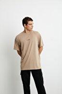 GRIMELANGE RIVER Erkek Bej Önü Yazı Nakışlı Kısa Kollu Oversize T-Shirt