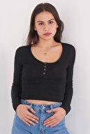 Addax Kadın Siyah Yakası Çıtçıtlı Bluz B1039 - W3 ADX-0000022787