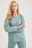 Defacto Kadın Yeşil Relax Fit Sweatshirt