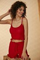 HAKKE Kadın Kırmızı Askılı Fırfır Detaylı Örme Pijama Takımı