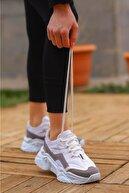 Madam Tarz Beyaz Gri Bağlı Kalın Taban Sneaker