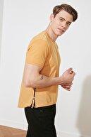 TRENDYOL MAN Hardal Erkek T-Shirt TMNSS21TS2661