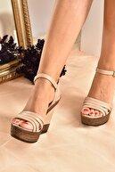 Fox Shoes Kadın Ten Yüksek Dolgu Topuklu Ayakkabı