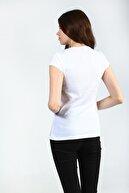 Collezione Beyaz Kadın Zümrüt Spor Regular Kısa Kol T-shirt